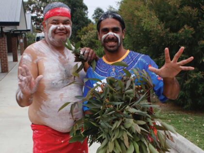Dharawal Walk Opens With Smoking Ceremony & Didgeridoo Performance